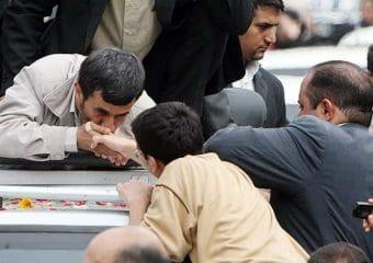 در شبکه های اجتماعی، احمدی نژاد باشید